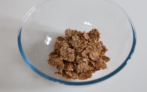 Preparazione Barrette ai cereali con cioccolato e uva passa - Fase 4