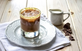 Caffè shakerato al cioccolato e vaniglia