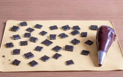Preparazione Cioccolatini fondenti con ganache al sesamo - Fase 4