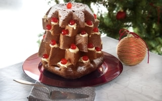 Pandoro alla crema Chantilly