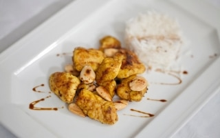 Pollo al curry e curcuma