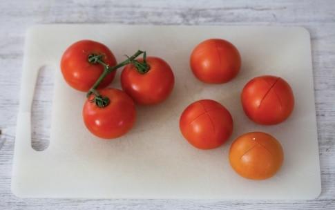 Preparazione Tagliolini con pesto, mandorle e pomodori confit - Fase 2