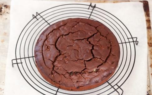 Preparazione Torta al cioccolato e uva passa - Fase 3