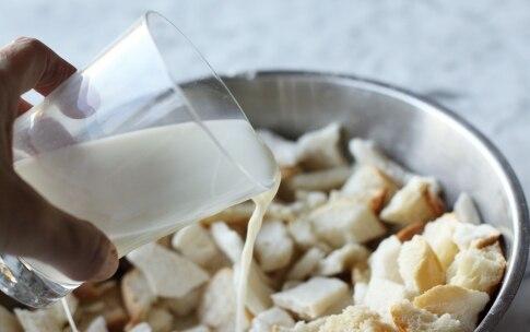 Preparazione Torta di pane - Fase 1