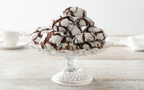 Preparazione Biscotti craquelé al cioccolato e nocciole - Fase 5
