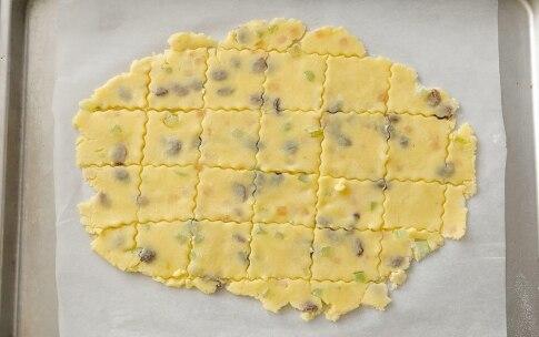 Preparazione Biscotti sablé alle mandorle con uvetta e canditi - Fase 4