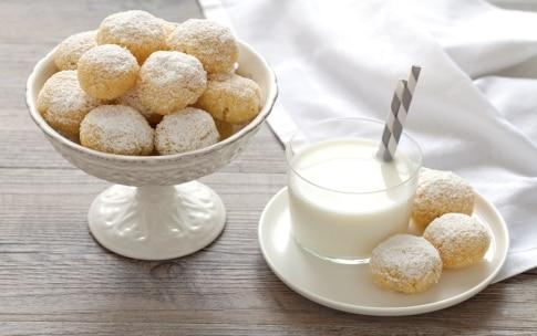 Preparazione Biscotti al cocco - Fase 4