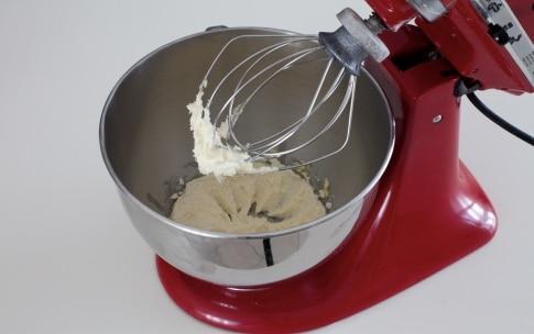 Preparazione Cantucci con cioccolato e pistacchi - Fase 2