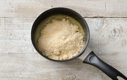 Preparazione Crostata al miele e pane - Fase 2