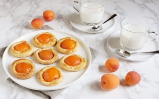 Sfogliatine albicocca e crema