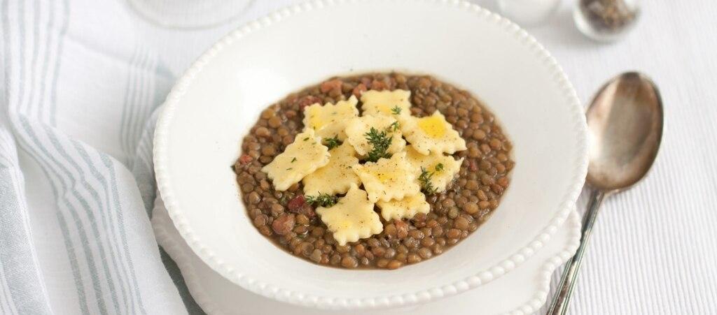 Zuppa di lenticchie con spoja lorda