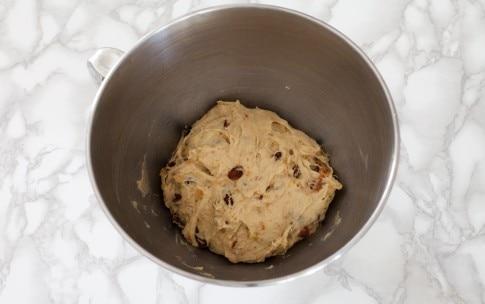 Preparazione Pan brioche con frutta secca - Fase 1
