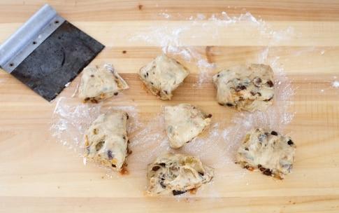 Preparazione Pan brioche con frutta secca - Fase 3