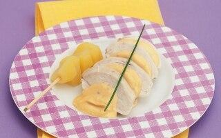 Pollo tonnato con spiedini di patate novelle...