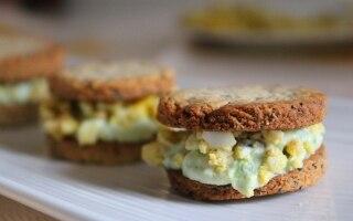 Biscotti salati asparagi e uova