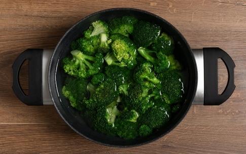 Preparazione Broccoli al forno con pane al peperoncino - Fase 1