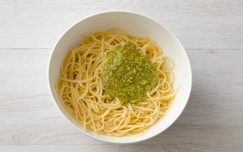 Preparazione Linguine al pesto di pistacchi e prezzemolo - Fase 2