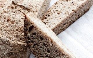 Pane integrale con acqua di mozzarella di...