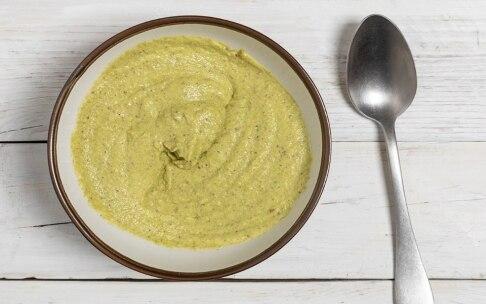 Preparazione Penne alla crema di asparagi, pistacchi e limone - Fase 2