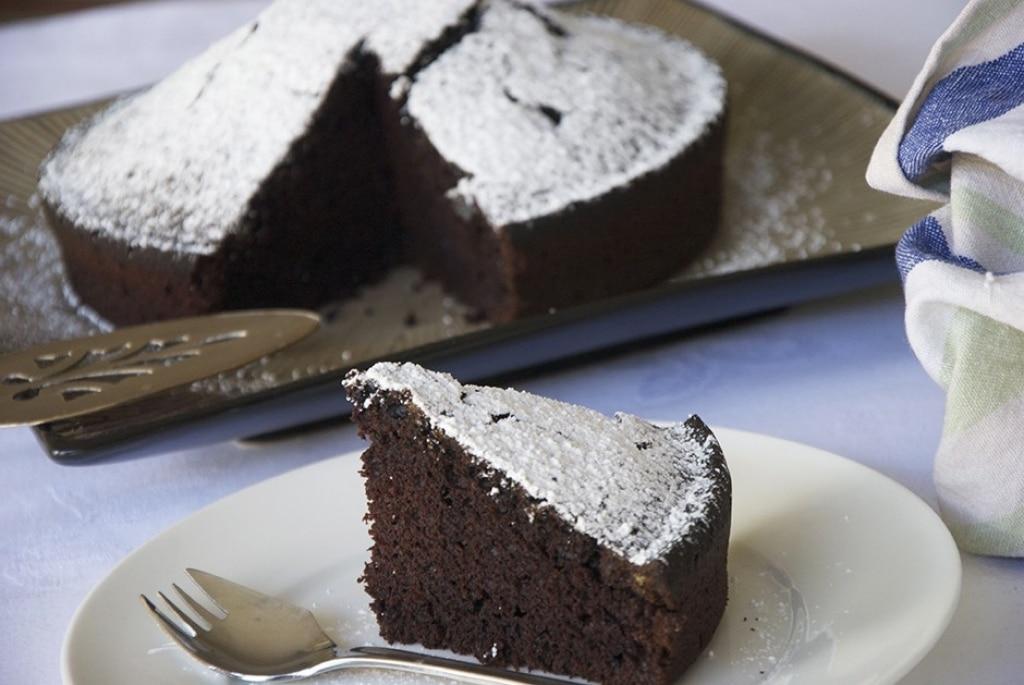Torta al cacao, senza uova e senza latte
