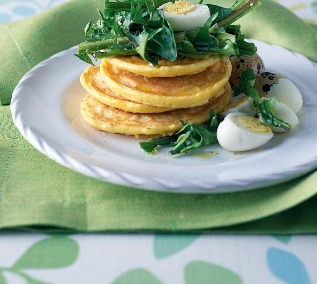 Tortini di ceci con uova di quaglia e tarassaco