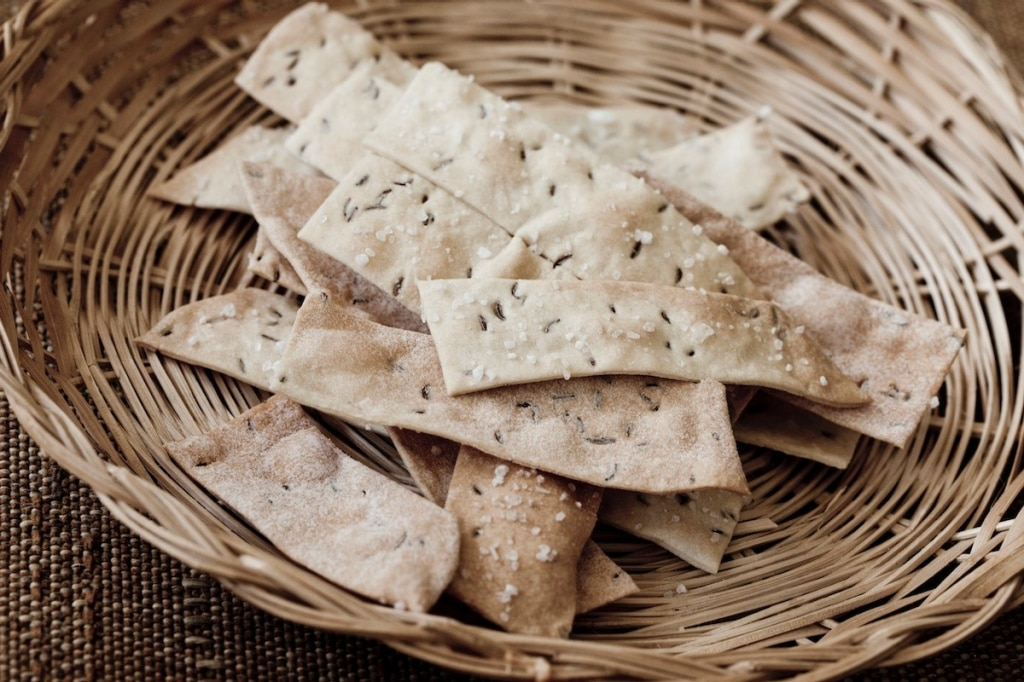 Crackers di farro al cumino