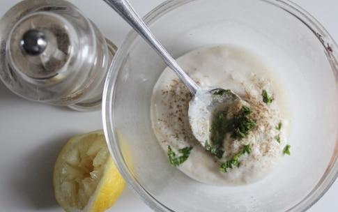 Preparazione Crema di yogurt, cetrioli e melone - Fase 1