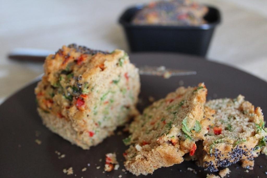 Vegan plumcake con rucola e peperone