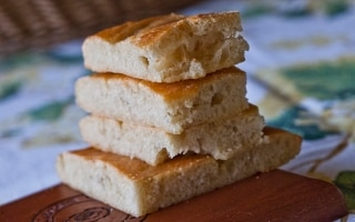 Focaccia all'olio delle tre farine