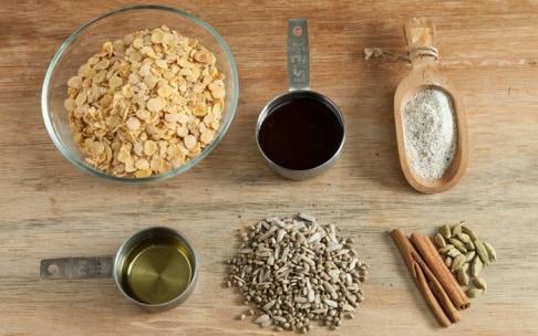 Preparazione Sbriciolata semi e noci con purea di albicocca - Fase 3