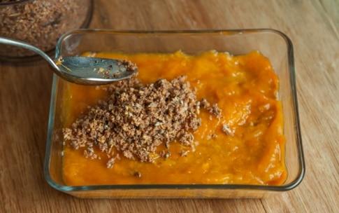 Preparazione Sbriciolata semi e noci con purea di albicocca - Fase 4