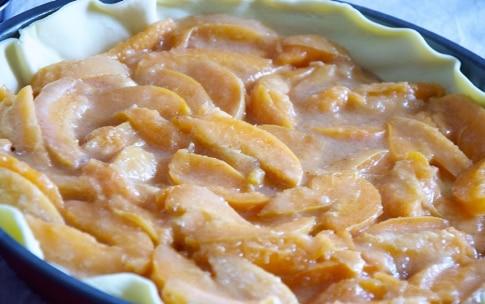 Preparazione Torta di albicocche con crumble al cocco - Fase 3