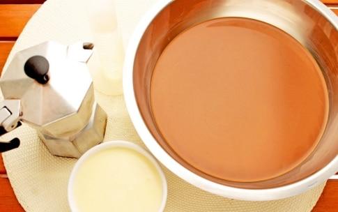 Preparazione Ghiaccioli al caffè - Fase 1
