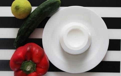 Preparazione Cetrioli con ricotta al limone e peperone rosso - Fase 1