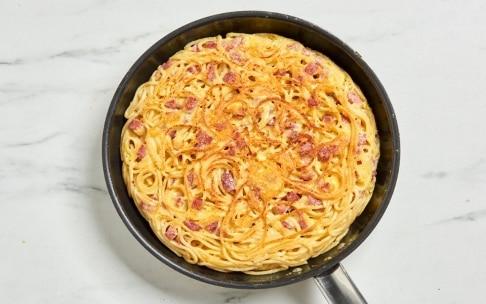 Preparazione Frittata di spaghetti - Fase 4