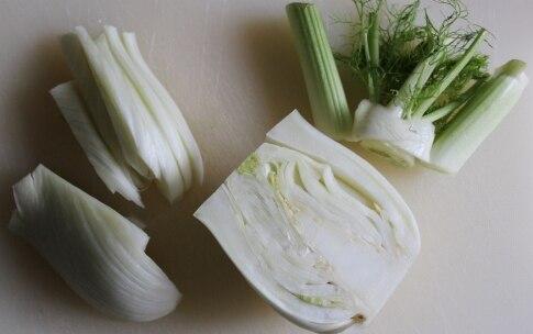 Preparazione Insalata di frutta e verdura con tè bianco e lime - Fase 1
