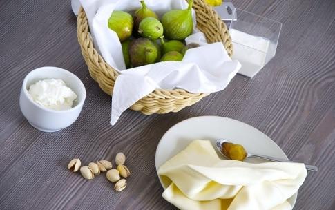 Preparazione Sfoglia con ricotta al limone, fichi al forno e pistacchi - Fase 1