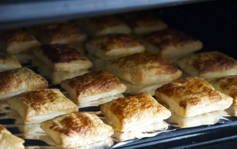 Preparazione Sfoglia con ricotta al limone, fichi al forno e pistacchi - Fase 2