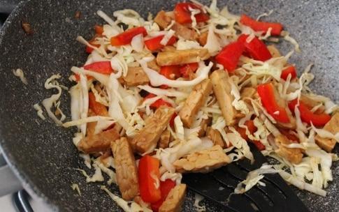 Preparazione Tempeh saltato con verdure, zenzero e salsa di soia - Fase 2