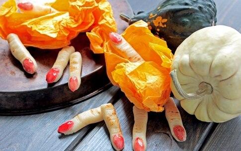 Preparazione Dita della strega di Halloween - Fase 3