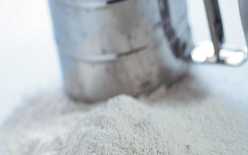 Preparazione Pasta fresca con farina di castagne - Fase 1