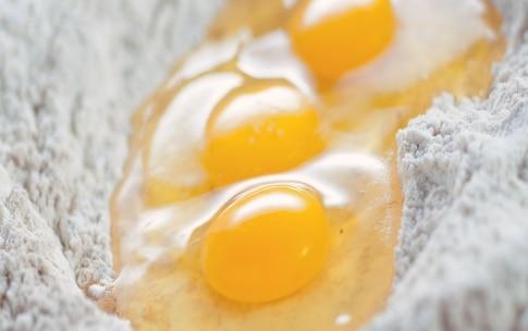 Preparazione Pasta fresca con farina di castagne - Fase 2