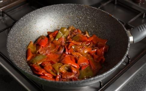 Preparazione Vellutata di peperoni con fagioli neri e latte di cocco - Fase 2