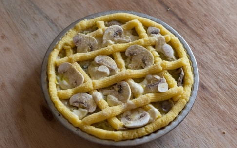 Preparazione Crostata di polenta con porri e champignon - Fase 4