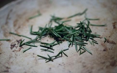 Preparazione Baccalà con salsa di carote, carciofi, noci e polvere di rosmarino - Fase 1