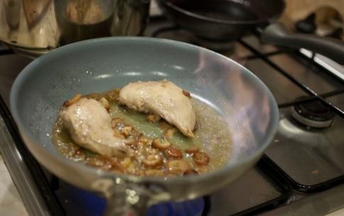 Preparazione Petti di fagiano con datteri e cipolla brasata - Fase 2