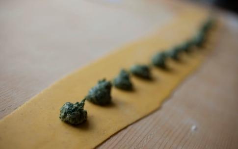 Preparazione Ravioli del Plin con ricotta e spinaci - Fase 7