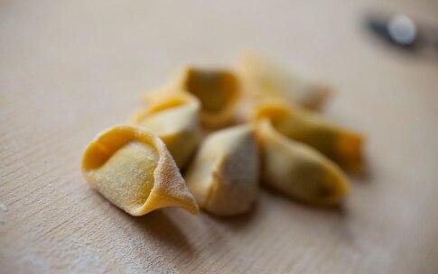 Preparazione Ravioli del Plin con ricotta e spinaci - Fase 8