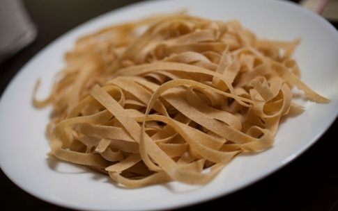 Preparazione Tagliatelle di grano Russello e ragù di fagiano - Fase 5