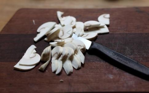 Preparazione Tortelli di castagne ai funghi - Fase 2